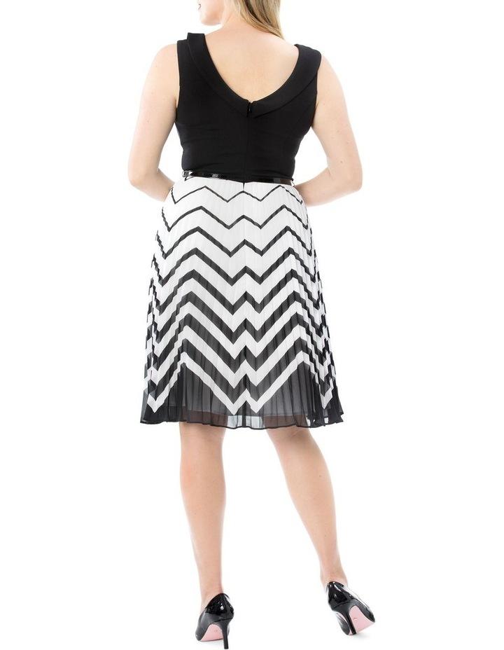 En Vogue Dress image 5