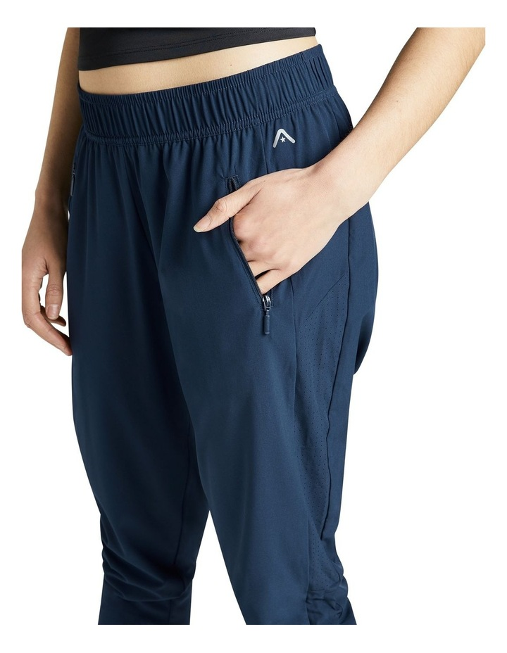 Rouched Pocket 3/4 Pants image 4
