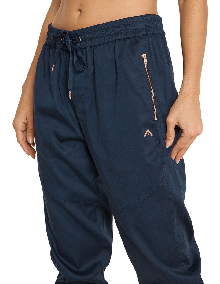 Casual 3/4 Joggers Navy image 4