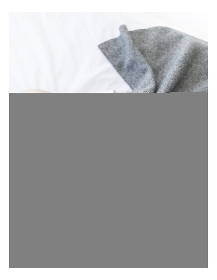 GRINDLE BLACK BLANKET image 3