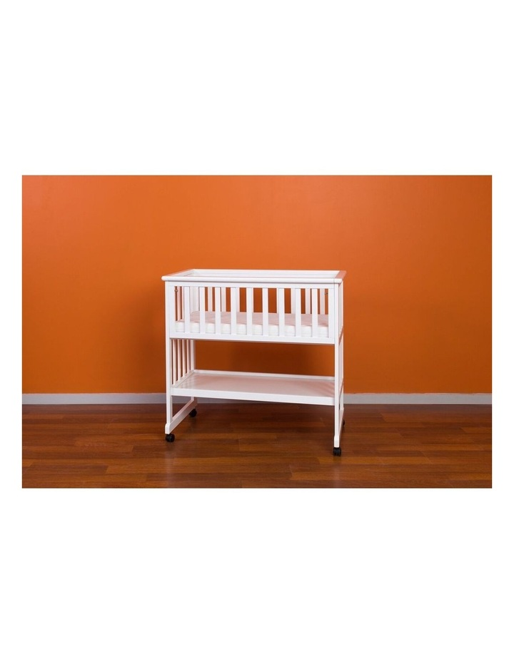 Amanda Bassinet & Mattress image 3