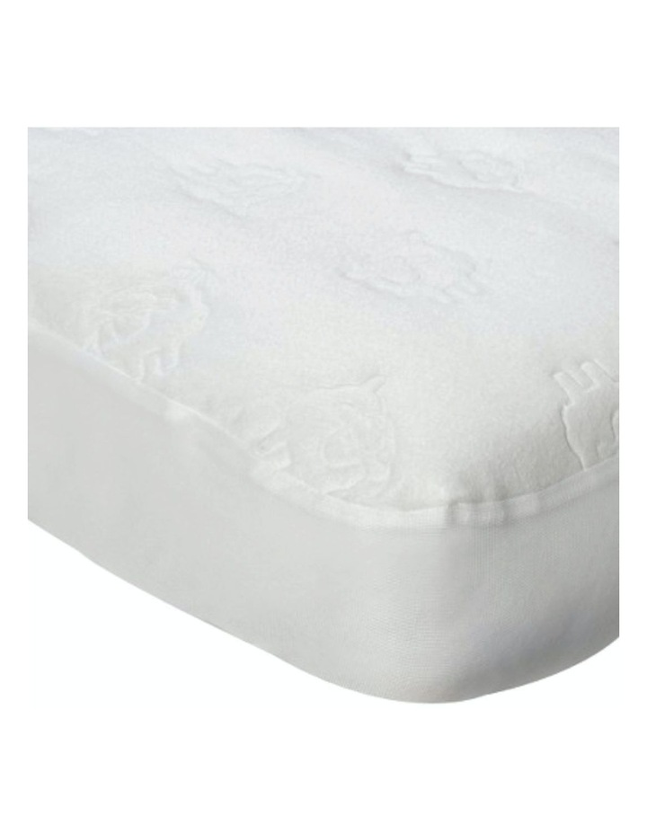 Travel Mattress Protector - Embossed image 2