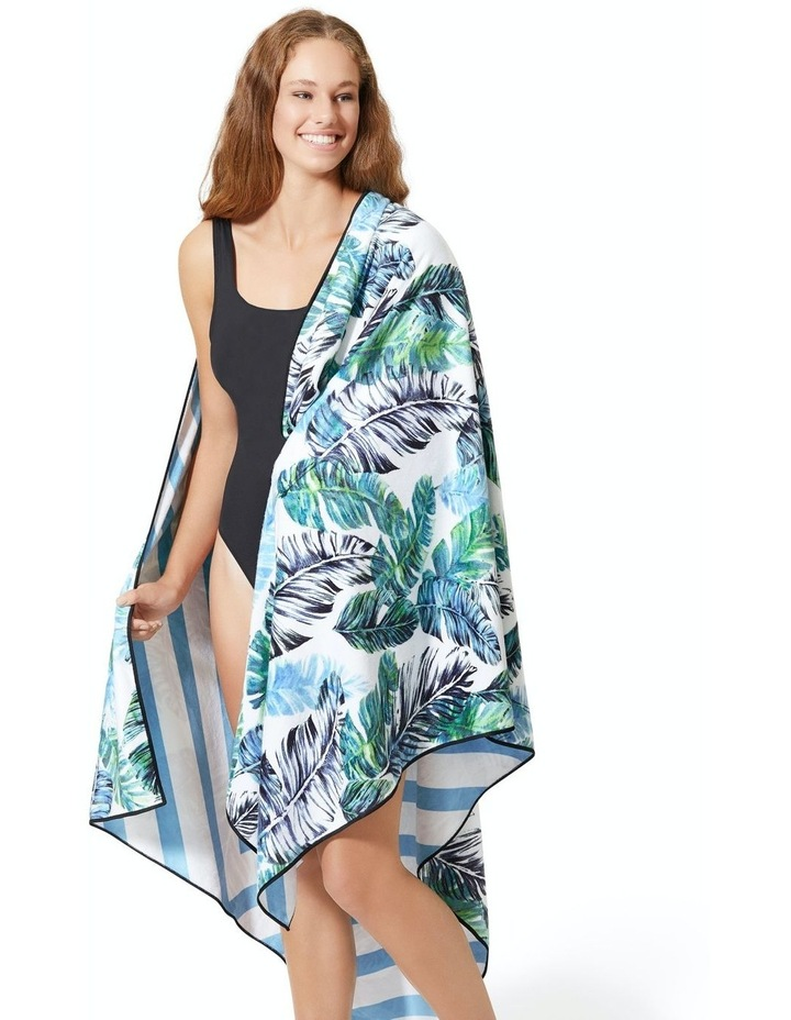 Footloose Large Sand Free Microfibre Beach Towel - Feather image 3