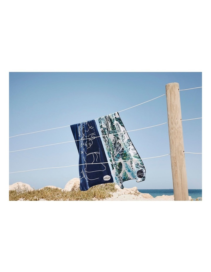 Footloose Large Sand Free Microfibre Beach Towel - Feather image 5