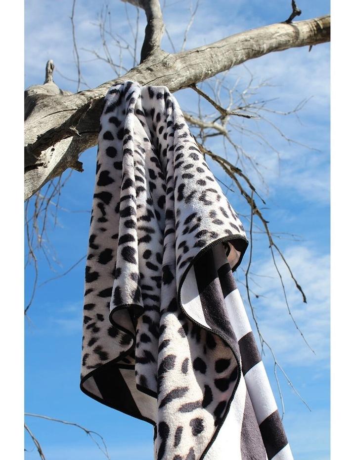 Footloose Large Microfibre Beach Towel - Cheetah image 3