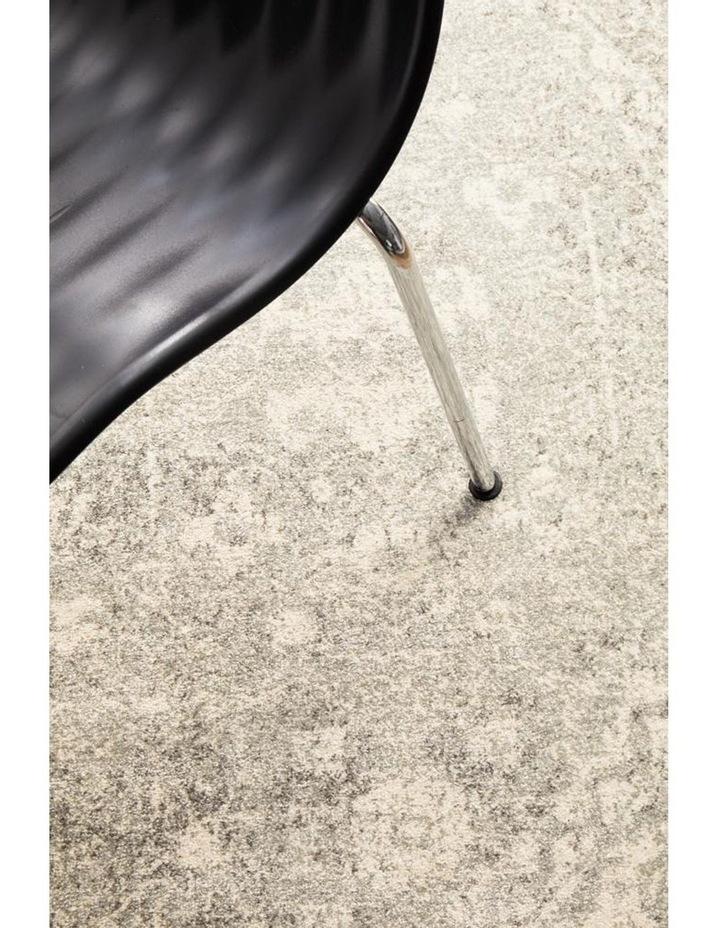 Evoke Shine Silver Transitional Round Rug image 5