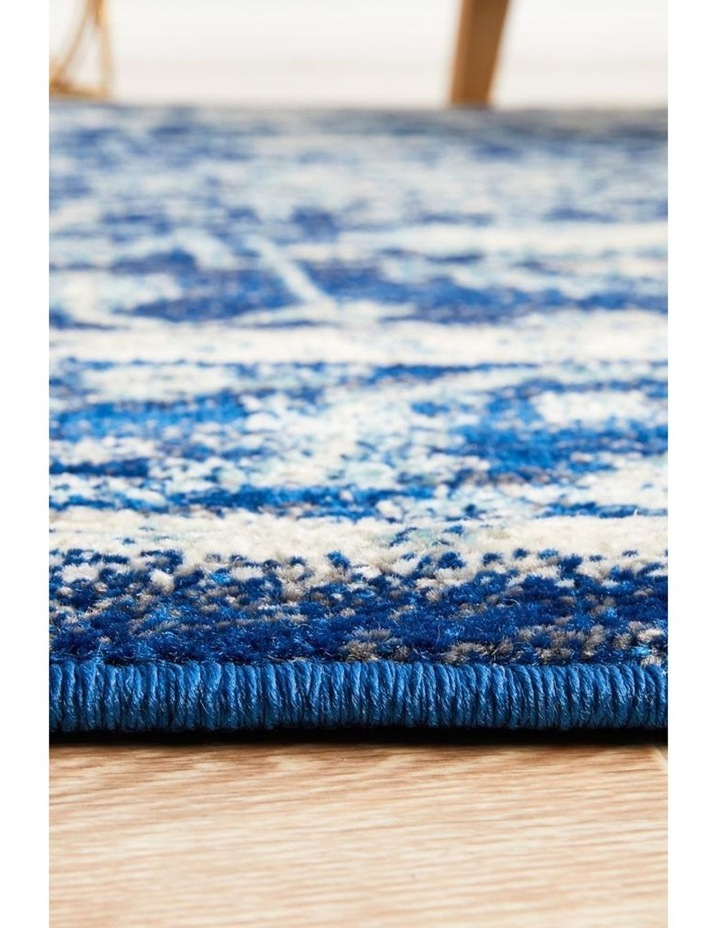 Evoke Release Navy Transitional Round Rug image 4