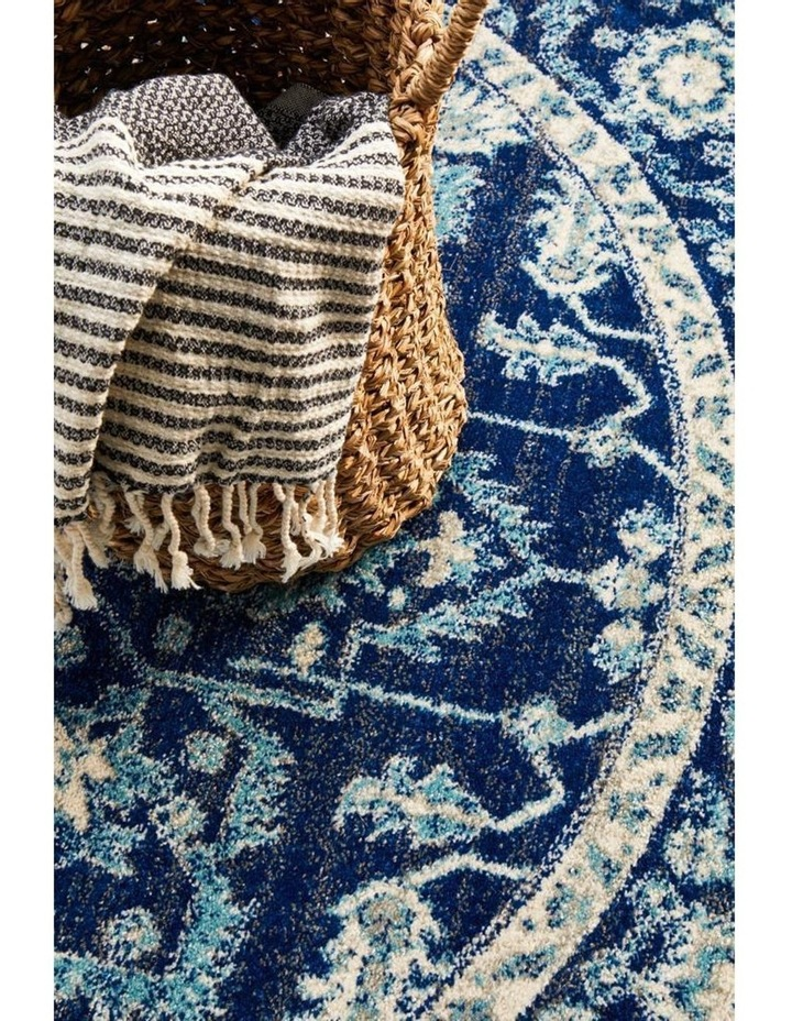 Evoke Release Navy Transitional Round Rug image 5