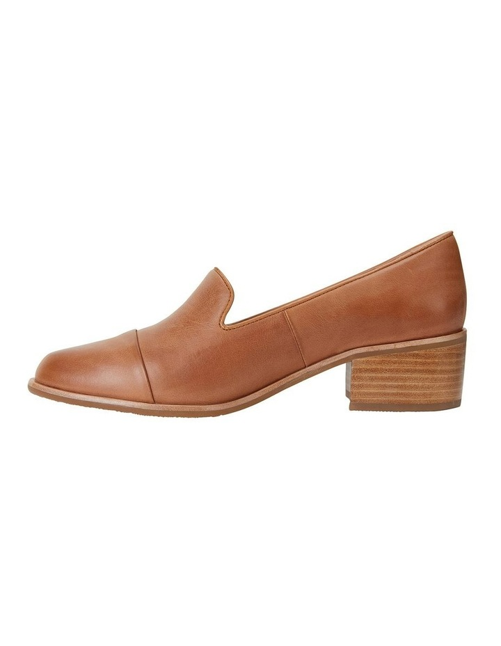 Expert Tan Glove Flat Shoes image 3