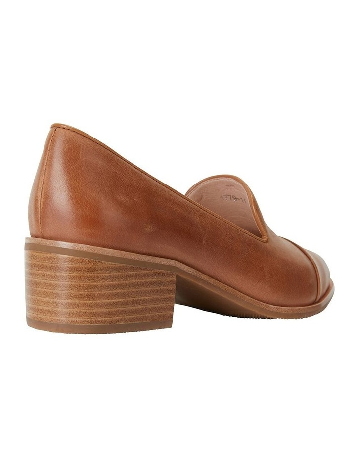 Expert Tan Glove Flat Shoes image 4