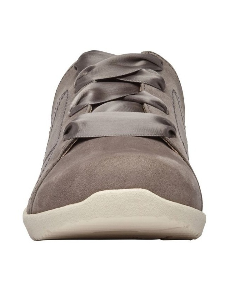 Lindsey Sneaker image 4