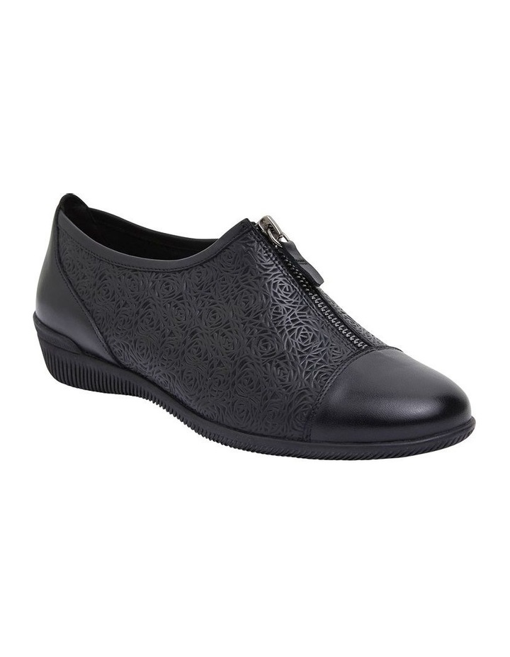 Wide Steps Wiley Black Glove Flat Shoes
